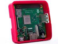 Raspberry Pi 3 Model A+ - В корпусе под углом